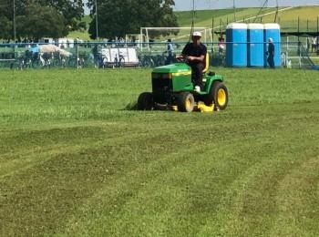 新しい芝刈り機